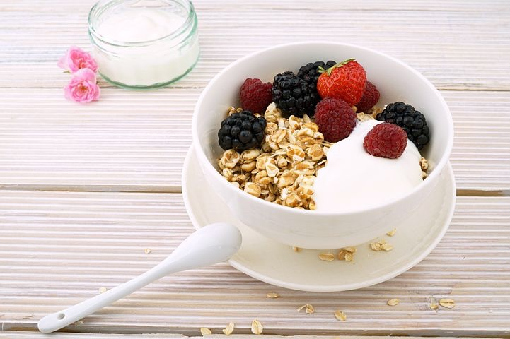 Yogurt and berries #healthmonastery